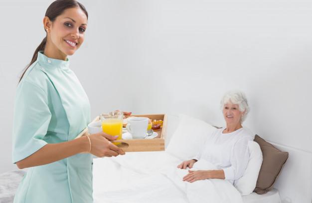 Quem precisa de Cuidador pode receber adicional de 25% na Aposentadoria.