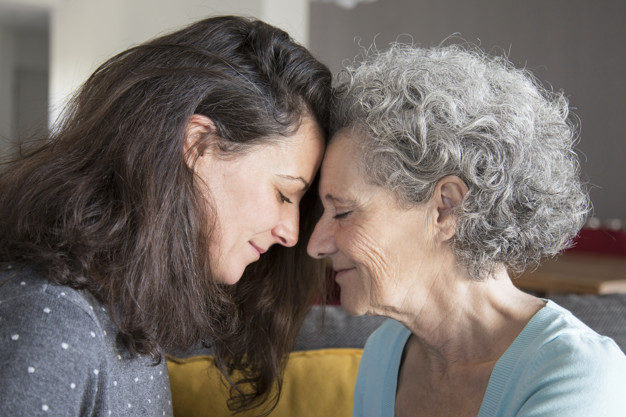 Como cuidar de parentes idosos
